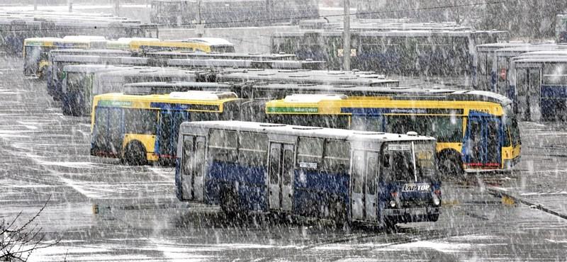 A BKV-buszok 99 százaléka elindult reggel