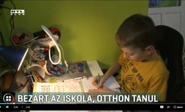 Otthonról tanul a mártélyi beteg kisfiú, miután bezárták az iskoláját