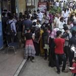 Gyorsan jött bankjegycsere Indiában: még mindig nagy a káosz – videó