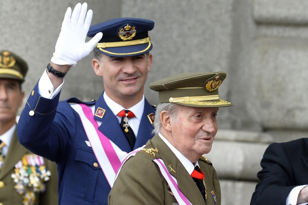 afp.14.01.06. - Madrid, Spanyolország: I. János Károly spanyol király (j) és fia, Fülöp herceg