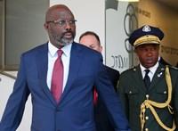 Kígyók kényszerítették home office-ra Libéria elnökét