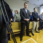 Jelentősen enyhítették az őrizetest agyonverő rendőrök büntetését