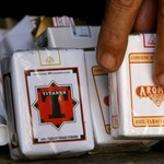 Elrettentőek a cigisdobozokra helyezett képek