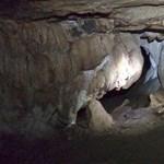 Leginkább az időjárás mentheti meg a barlangban rekedt thai gyerekeket