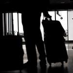 Több száz csomagot küldött rossz kontinensre a címkékkel szórakozó reptéri munkás
