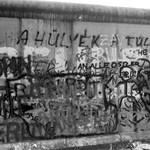 A 30 éve leomlott berlini fal még ott van, láthatóan és láthatatlanul is