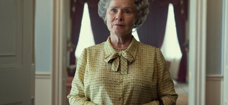 Itt az első kép II. Erzsébetről A korona ötödik évadában