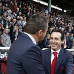 Nyolcezer fontra büntették az Arsenal edzőjét, mert egy vizespalackot rúgott a szurkolók közé