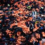 Több mint 20 női holttestet találtak egy gumicsónakban