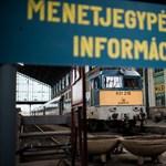 Zavaros pályázat miatt késnek hónapokat a vasút jegyautomatái