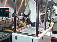 A mostani járvány a robotszakácsok kezére játszik