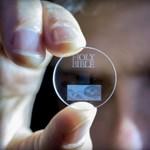 Felejtse el az SSD-t, ezzel az üveglemezzel 360 TB-nyi adatot lehet tárolni