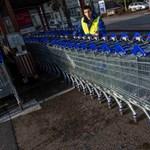 4500 dolgozót rúg ki a Tesco Nagy-Britanniában