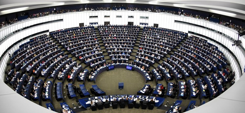 Nem várt helyről kaptak üzenetet a Sargentini-jelentést megszavazó képviselők