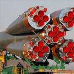 Indulásra kész Charles Simonyi űrhajója - fotókkal