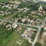 Gitározó tinik miatt tört ki a karádi szomszédháború