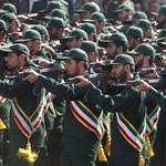 Figyelmeztető lövéseket adtak le az amerikaiak az iráni Forradalmi Gárda hajóinak