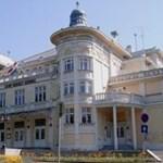 A stadionépítéseknél is felbukkanó cég újíthatja fel a kaposvári színházat