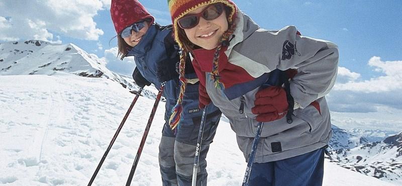 Családi akciók az osztrák sípályákon – megéri gyerekkel síelni?