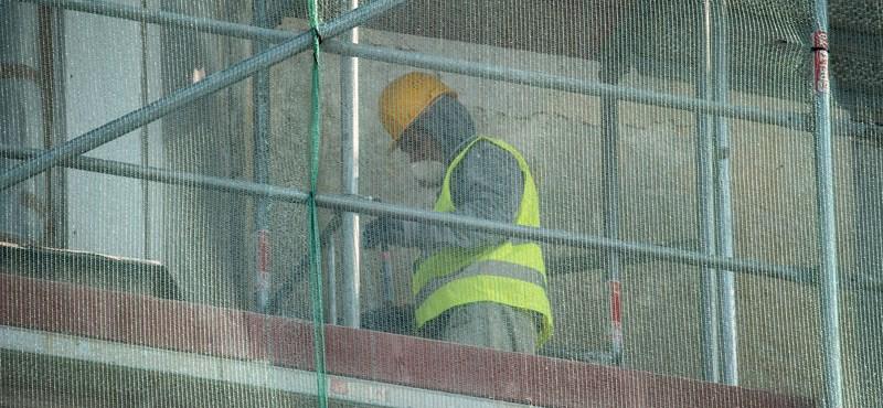 Kilencvenezer munkahelyre adott már bértámogatást a kormány