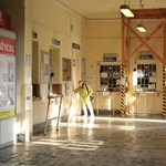 Kelenföld és a Nyugati állomásépülete is omladozik, a megoldásra még várni kell