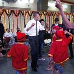 Képek: indiai diákokkal táncolt az amerikai elnök