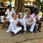 Otthagyták a bankszektort, Facebook-sztárnak álltak Indiában