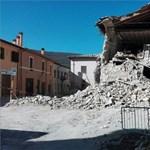 Lebombázott tájra hasonlítanak az olasz földrengésben elpusztult utcák – videó