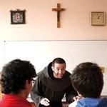 Hiába menekülnek az egyházakhoz a szegény települések iskolái?