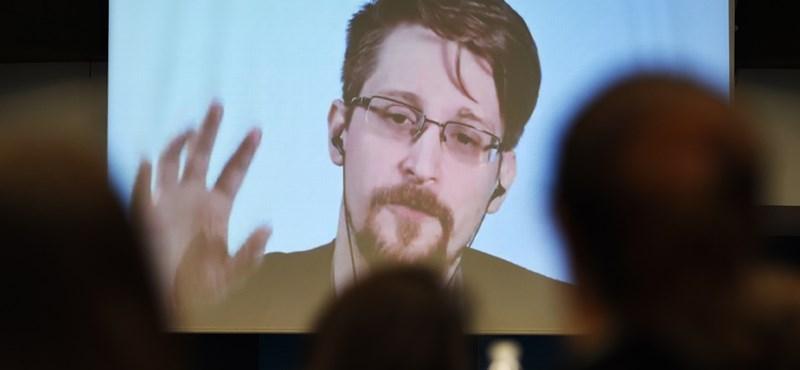Megszületett Edward Snowden gyermeke
