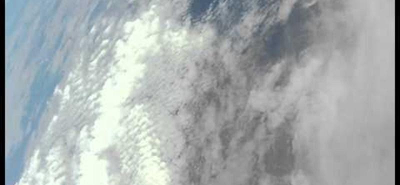 Videó: rekordot állított be egy egyszerű papírrepülő