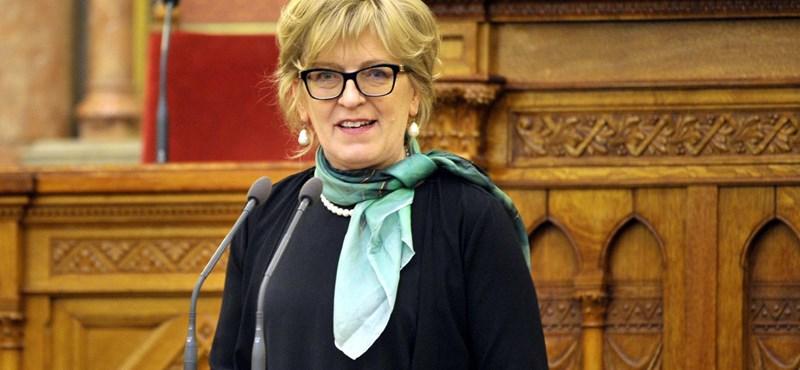 Nem hajlandó foglalkozni a Fidesz Handó Tünde leváltásával