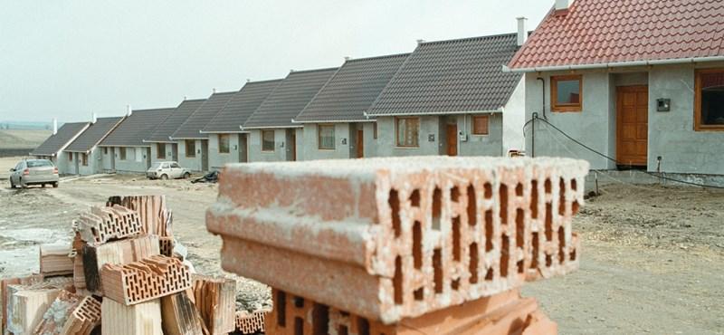 Népszabadság: Visszatér a szocialista házépítési modell
