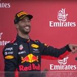 Az újoncot is belerángatta gusztustalan szokásába Daniel Ricciardo – videó