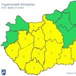 11 megyére és Budapestre is figyelmeztetést adtak ki az özönvízszerű eső miatt