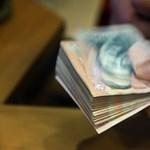 Esik a forint, 318 közelében jár az euróárfolyam