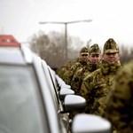 Több mint egymilliárd forintért vásárol új teherautókat a honvédség