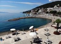 Oltásra biztatják az embereket a horvát miniszterek, nehogy bajt hozzon a turistaszezon