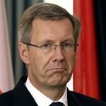 Élete végéig tiszteletdíjat kap a bukott német államfő