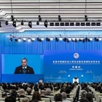 Orbán Sanghajban: Kína is felfigyelt a közép-európai gazdasági növekedésre
