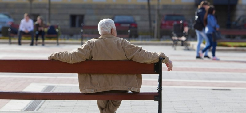 Dühösek a friss nyugdíjasok, mert nem kapnak idén extra pénzt