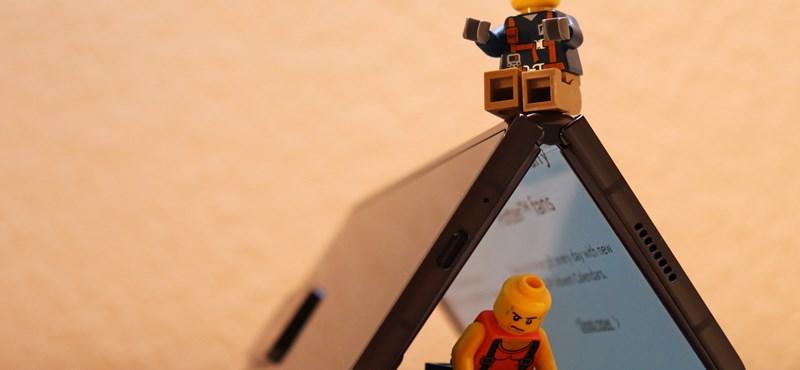 Bezuhant az okostelefonok piaca, a Samsung és az Apple tartja magát