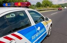 Rendőrautó karambolozott Délegyházán