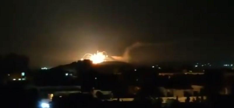 Szíria ellenséges célpontokra lőtt Damaszkusz felett