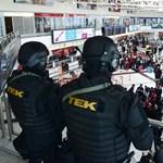 Mégsem zárná börtönbe a kormány a csetprogramok tulajait