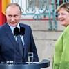Merkel-Putyin-találkozó: ketten három témáról, másfél hangütésben.