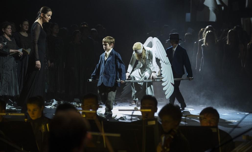 ''Johanna a máglyán'' - oratórium a Nemzeti Színházban Vidnyánszky Attila rendezésében