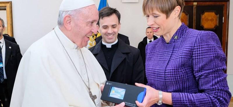 Ferenc pápa új állampolgárságot kapott
