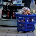 Szerdán dönt a kormány az időseknek fenntartott vásárlási idősávról