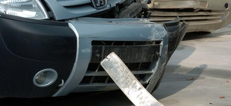 Szorítja az idő az autósokat: szombatig leheg felmondani a kgfb-szerződéseket